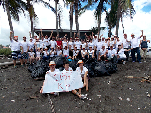 Costa Rica team clean up Hermosa beach